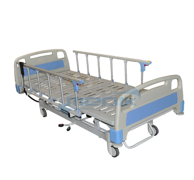 Electric hospital bed with central locking steer function