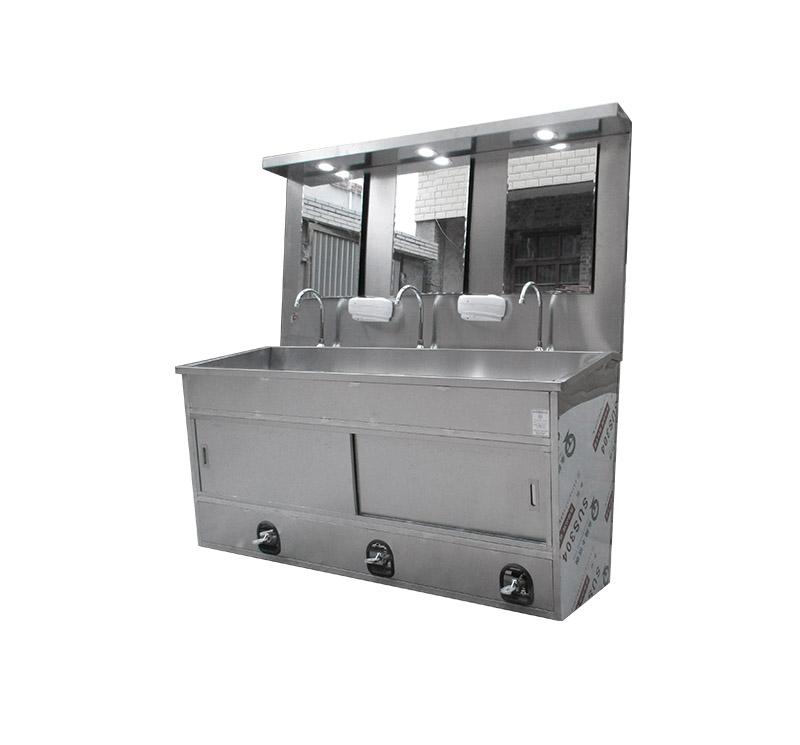 CSD-SR04 Triple Surgeon Scrub Sink